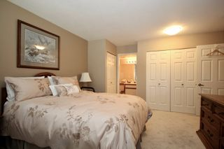 """Photo 12: 209 1459 BLACKWOOD Street: White Rock Condo for sale in """"CHARTWELL"""" (South Surrey White Rock)  : MLS®# R2397945"""