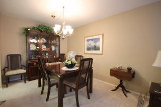 """Photo 8: 209 1459 BLACKWOOD Street: White Rock Condo for sale in """"CHARTWELL"""" (South Surrey White Rock)  : MLS®# R2397945"""