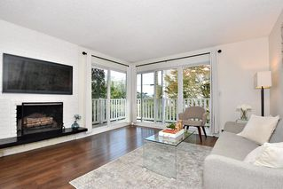 "Photo 3: 206 2365 W 3RD Avenue in Vancouver: Kitsilano Condo for sale in ""LANDMARK HORIZON"" (Vancouver West)  : MLS®# R2409461"