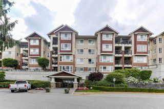 "Photo 3: 416 19677 MEADOW GARDENS Way in Pitt Meadows: North Meadows PI Condo for sale in ""THE FAIRWAYS"" : MLS®# R2410673"
