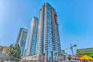 "Photo 1: 2707 4688 KINGSWAY Street in Burnaby: Metrotown Condo for sale in ""STATION SQUARE"" (Burnaby South)  : MLS®# R2415555"