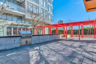 "Photo 2: 2707 4688 KINGSWAY Street in Burnaby: Metrotown Condo for sale in ""STATION SQUARE"" (Burnaby South)  : MLS®# R2415555"