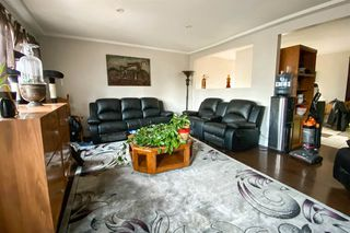 Photo 3: 10802 155 Street in Edmonton: Zone 21 House for sale : MLS®# E4178862