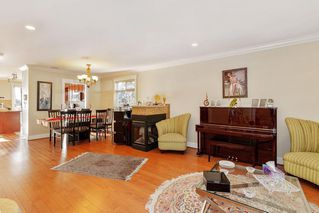 Photo 2: 549 W 28TH Street in North Vancouver: Upper Lonsdale House for sale : MLS®# R2427195