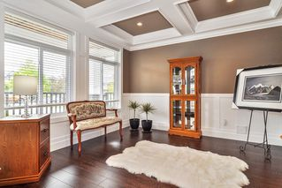Photo 2: 15520 GOGGS Avenue: White Rock House for sale (South Surrey White Rock)  : MLS®# R2484038