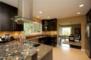 Photo 4: 4590 Seawood Terr in Victoria: Residential for sale : MLS®# 266855