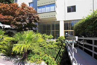 Photo 5: 415 1425 ESQUIMALT AVENUE in West Vancouver: Ambleside Condo for sale : MLS®# R2464523