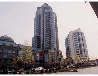 """Main Photo: 1188 QUEBEC Street in Vancouver: Mount Pleasant VE Condo for sale in """"CITY GATE 1"""" (Vancouver East)  : MLS®# V631316"""