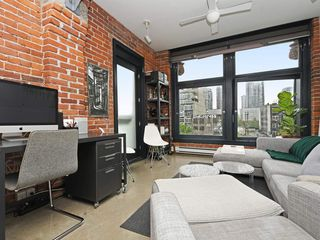 """Photo 4: 501 53 W HASTINGS Street in Vancouver: Downtown VW Condo for sale in """"PARIS BLOCK"""" (Vancouver West)  : MLS®# R2404380"""