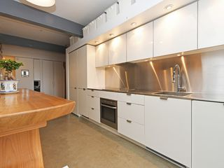 """Photo 8: 501 53 W HASTINGS Street in Vancouver: Downtown VW Condo for sale in """"PARIS BLOCK"""" (Vancouver West)  : MLS®# R2404380"""