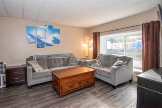 """Photo 4: 63 95 LAIDLAW Road in Smithers: Smithers - Rural Manufactured Home for sale in """"MOUNTAIN VIEW MOBILE HOME PARK"""" (Smithers And Area (Zone 54))  : MLS®# R2410431"""