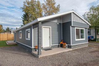 """Main Photo: 63 95 LAIDLAW Road in Smithers: Smithers - Rural Manufactured Home for sale in """"MOUNTAIN VIEW MOBILE HOME PARK"""" (Smithers And Area (Zone 54))  : MLS®# R2410431"""