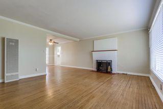 Photo 2: LEMON GROVE House for sale : 3 bedrooms : 1385 Taft St