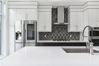 Photo 10: 13706 101 Avenue in Edmonton: Zone 11 House for sale : MLS®# E4216526