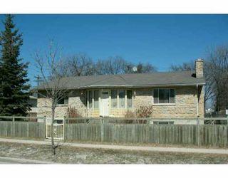 Photo 1: 623 MUNROE Avenue in WINNIPEG: East Kildonan Single Family Detached for sale (North East Winnipeg)  : MLS®# 2705491