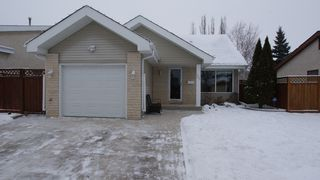 Photo 1: 31 Whittington Road in Winnipeg: North Kildonan Residential for sale (North East Winnipeg)  : MLS®# 1201014