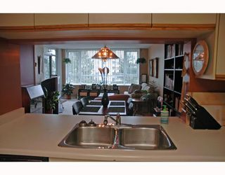 "Photo 10: 401 6055 NELSON Avenue in Burnaby: Forest Glen BS Condo for sale in ""La Mirage"" (Burnaby South)  : MLS®# V691418"