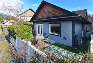 "Photo 3: 768 GERUSSI Lane in Gibsons: Gibsons & Area House for sale in ""PARKLAND"" (Sunshine Coast)  : MLS®# R2433291"