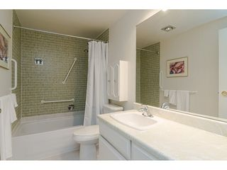 """Photo 14: 104 1322 MARTIN Street: White Rock Condo for sale in """"Blue Spruce"""" (South Surrey White Rock)  : MLS®# R2441551"""