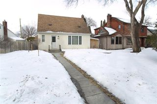Photo 1: 23 Hemlock Place in Winnipeg: Norwood Flats Residential for sale (2B)  : MLS®# 202005194