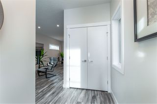 Photo 2: 9524 71 Avenue in Edmonton: Zone 17 House for sale : MLS®# E4224857