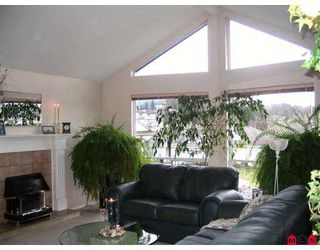 "Photo 3: 8123 FORBES Street in Mission: Mission BC House for sale in ""Hillside"" : MLS®# F2725264"