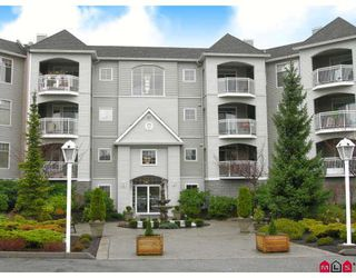 "Photo 1: 206 5677 208TH Street in Langley: Langley City Condo for sale in ""Ivy Lea"" : MLS®# F2728512"