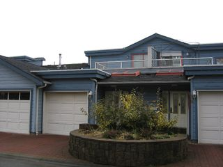 Photo 1: 17 323 GOVERNORS Court in New_Westminster: Fraserview NW Townhouse for sale (New Westminster)  : MLS®# V681929