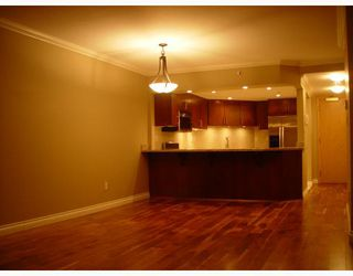 """Photo 4: 905 2201 PINE Street in Vancouver: Fairview VW Condo for sale in """"MERIDIAN COVE"""" (Vancouver West)  : MLS®# V685049"""