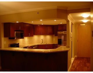 """Photo 3: 905 2201 PINE Street in Vancouver: Fairview VW Condo for sale in """"MERIDIAN COVE"""" (Vancouver West)  : MLS®# V685049"""