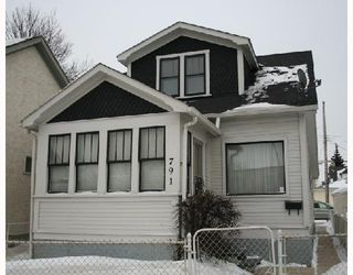 Photo 1: 791 MCPHILLIPS Street in WINNIPEG: North End Residential for sale (North West Winnipeg)  : MLS®# 2801375