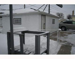 Photo 3: 791 MCPHILLIPS Street in WINNIPEG: North End Residential for sale (North West Winnipeg)  : MLS®# 2801375