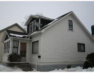 Photo 2: 791 MCPHILLIPS Street in WINNIPEG: North End Residential for sale (North West Winnipeg)  : MLS®# 2801375