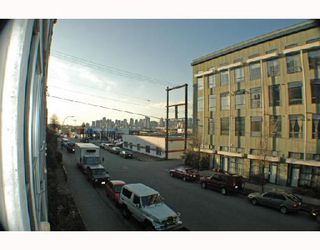 "Photo 5: 205 228 E 4TH Avenue in Vancouver: Mount Pleasant VE Condo for sale in ""THE WATERSHED"" (Vancouver East)  : MLS®# V692857"