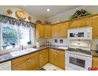 """Photo 4: 20947 44TH Avenue in Langley: Brookswood Langley House for sale in """"Uplands/Brookswood"""" : MLS®# F2813849"""