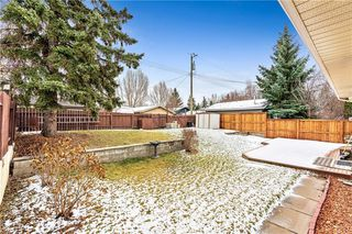 Photo 12: 7104 SILVERVIEW Road NW in Calgary: Silver Springs Detached for sale : MLS®# C4275510