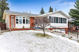 Photo 2: 7104 SILVERVIEW Road NW in Calgary: Silver Springs Detached for sale : MLS®# C4275510