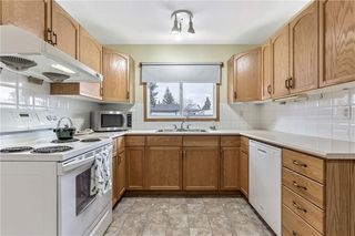 Photo 8: 7104 SILVERVIEW Road NW in Calgary: Silver Springs Detached for sale : MLS®# C4275510