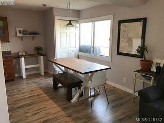 Photo 1: 25 477 Lampson Street in VICTORIA: Es Old Esquimalt Condo Apartment for sale (Esquimalt)  : MLS®# 419742