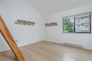 Photo 12: 406 1363 CLYDE AVENUE in West Vancouver: Home for sale : MLS®# R2035971