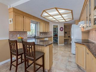 Photo 6: 6 SUNHAVEN Place SE in Calgary: Sundance Detached for sale : MLS®# C4301317