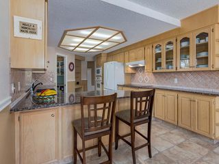 Photo 7: 6 SUNHAVEN Place SE in Calgary: Sundance Detached for sale : MLS®# C4301317