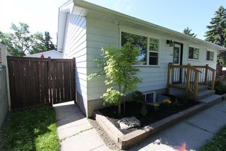 Photo 17: 2438 ELMWOOD Drive SE in Calgary: Southview Detached for sale : MLS®# A1013187