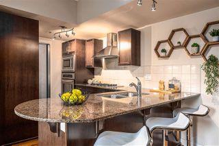 Photo 5: 304 9316 82 Avenue in Edmonton: Zone 18 Condo for sale : MLS®# E4208351
