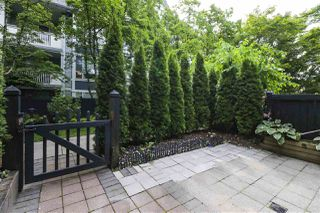 """Photo 4: 7436 MAGNOLIA Terrace in Burnaby: Highgate Townhouse for sale in """"CAMARILLO"""" (Burnaby South)  : MLS®# R2493267"""