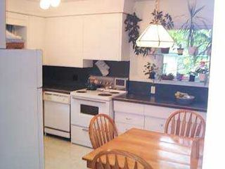 Photo 2: 610 IAN Place in Winnipeg: North Kildonan Single Family Detached for sale (North East Winnipeg)  : MLS®# 2510405