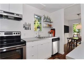 "Photo 5: # 203 1640 W 11TH AV in Vancouver: Fairview VW Condo for sale in ""HERITAGE HOUSE"" (Vancouver West)  : MLS®# V908583"