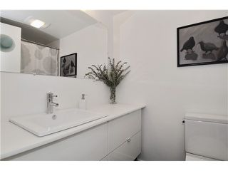 "Photo 9: # 203 1640 W 11TH AV in Vancouver: Fairview VW Condo for sale in ""HERITAGE HOUSE"" (Vancouver West)  : MLS®# V908583"
