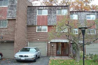 Photo 2: N/A 11 Windy Golfway in Toronto: Condo for sale (E03: TORONTO)  : MLS®# E1271876