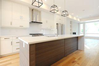 Photo 2: 10932 129 Street in Edmonton: Zone 07 House for sale : MLS®# E4172743